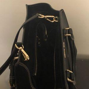 Michael Kors Bags - Michael Kors Black Selby medium crossgrain satchel